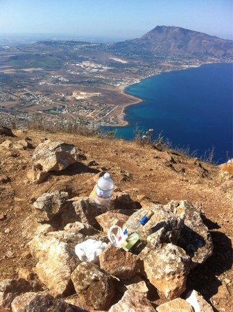 Riserva Naturale Orientata Monte Cofano : Il bar della cima!