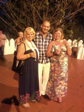 Bamburi Beach Hotel : Me Ruth and hassan at cocktail party