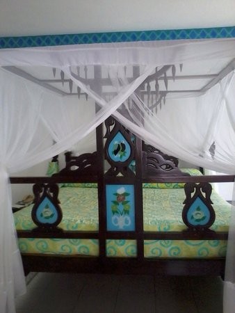 Bamburi Beach Hotel : Room 301 great views best room in hotel- mine