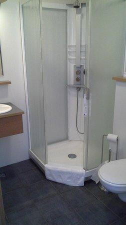 Hotel Geysir: shower