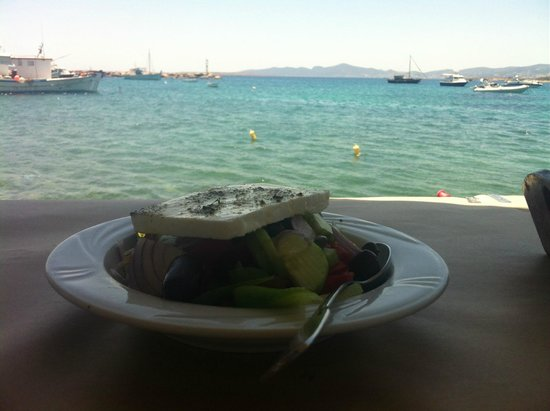 Apoplous Taverna and Ouzeri: Greek salad. Also known in Greece as a salad. (Village salad actually).