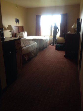 AmericInn Hotel & Suites Fargo South — 45th Street: Double bed room. So huge inside!