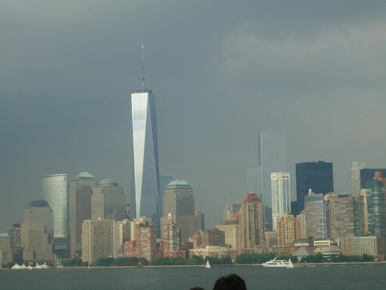 Manhattan Skyline : Freedom tower among the lesser mortals.