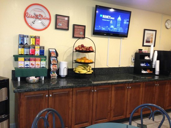 Quality Inn Encinitas Near Legoland: Breakfast Room