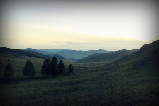 Dream Adventure Mongolia : Dusk sets over the steppe