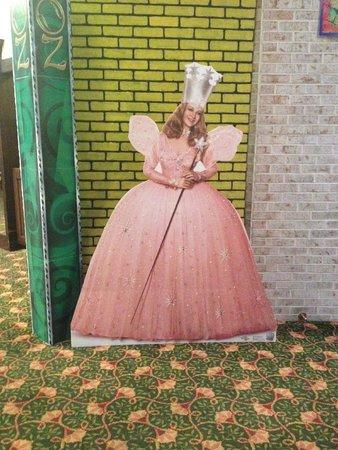 Holiday Inn Perrysburg - French Quarter : Wizard of Oz Theme again