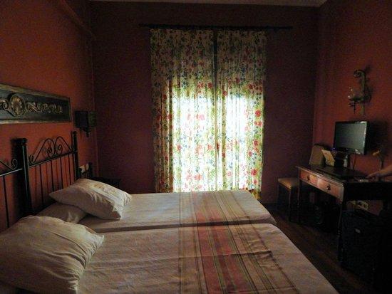 Hotel Abanico Sevilla: Una parte della camera familiare