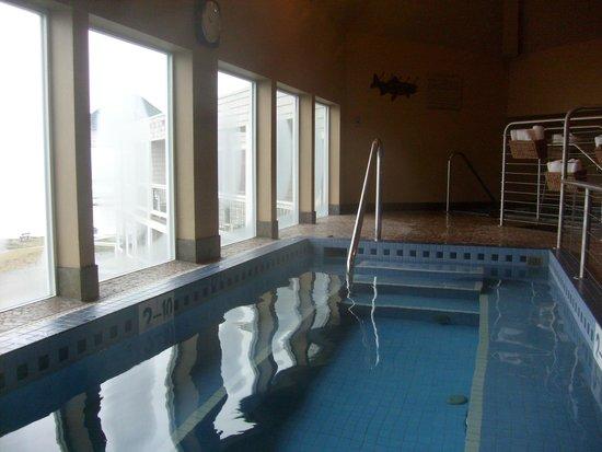 Overleaf Lodge & Spa: Wonderful heated soaking pool with ocean view