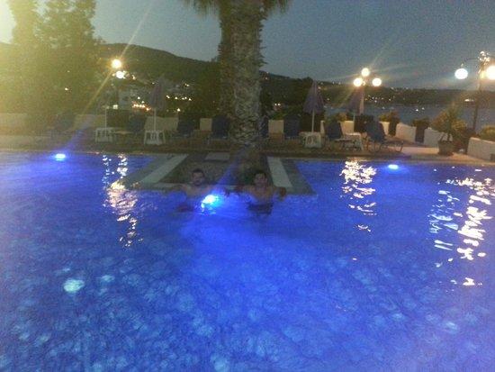 Hotel Blue Fountain: Πισίνα