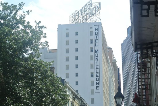 Hotel Monteleone: Side View of the Hotel