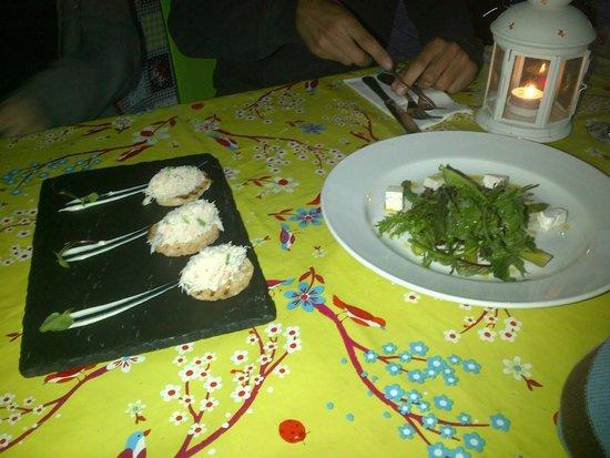 The Malt House Restaurant: Entrantes (paté de cangrejo y ensalada)