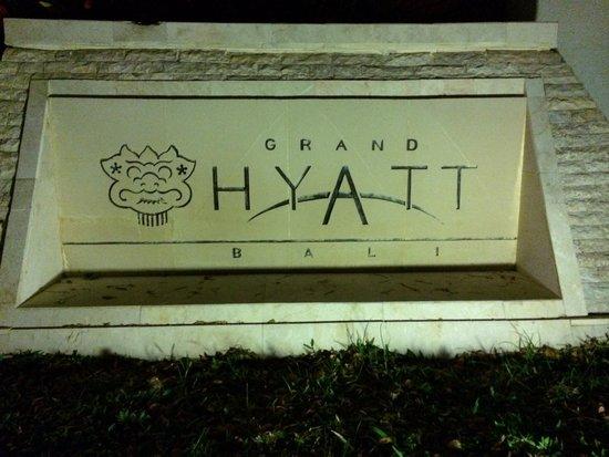 Grand Hyatt Bali: 入口の看板