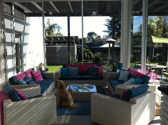 Breakfast on the Beach Lodge: Lounge area