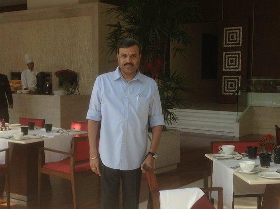 The Oberoi, Gurgaon : In the  threesixtyone restaurant