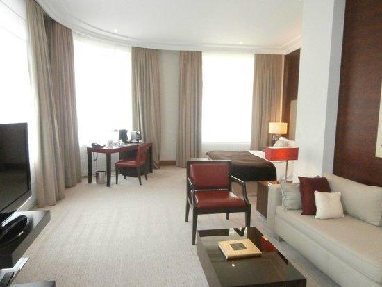 Radisson Blu Style Hotel, Vienna: corner suite