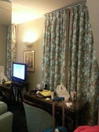 Hotel California Paris Champs Elysees : my suite Ground floor