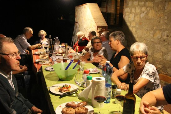 Agriturismo Il Sole Verde: Grill party on the terrace