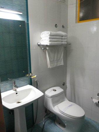Meadows Residency - Ooty: Neat and clean bathrooms
