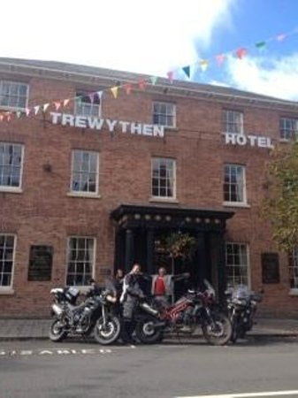 Trewythen Hotel: Parking at rear of hotel