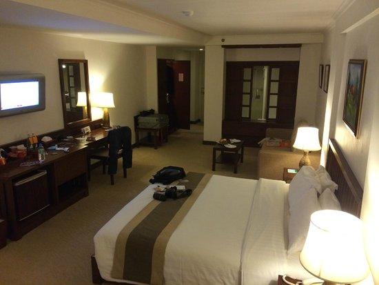 Suriwongse Hotel: La chambre (553)