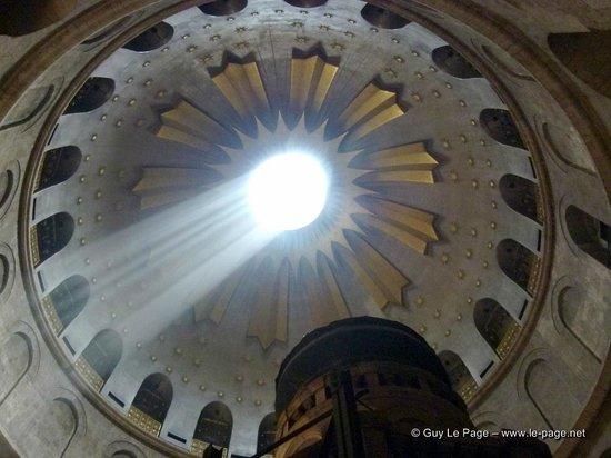 Église du Saint-Sépulcre (Jérusalem) : A l'intérieur du Saint Sépulcre