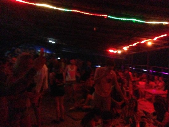 Full Moon Party: At the beach