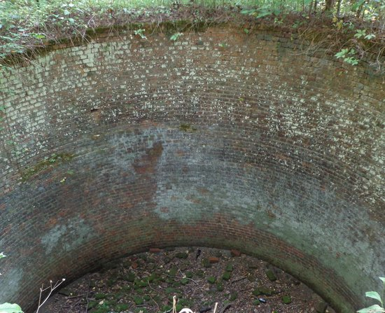 Rosewell Ruins: Ice house