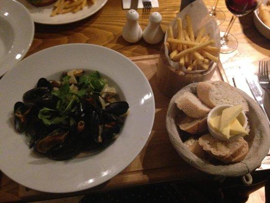 Blue Dog Bar and Kitchen Altrincham Restaurant Reviews Phone