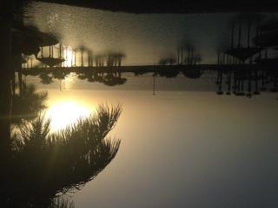 Gran Melia Palacio de Isora Resort & Spa: Sunset over the infiniti pool.