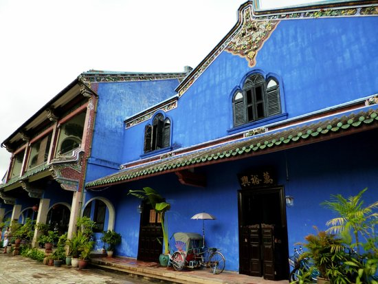 Cheong Fatt Tze - The Blue Mansion: The Mansion's distinctive blue walls