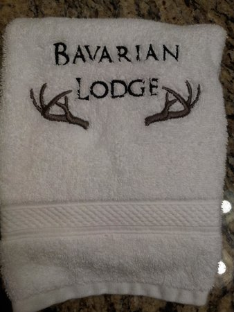Bavarian Lodge: Love the little touches like these towels