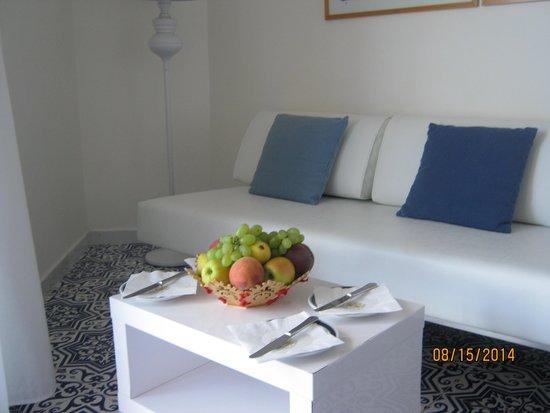 Hotel Bristol: Fresh Fruit on Arrival