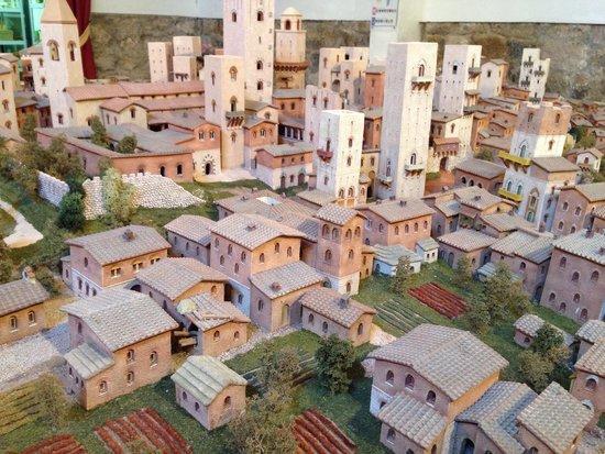 San Gimignano 1300: Fedele riproduzione fatta da maestri