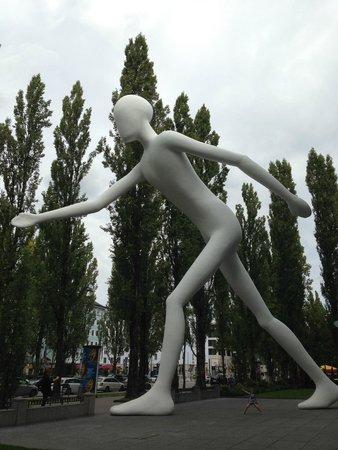 Freya & the Walking man