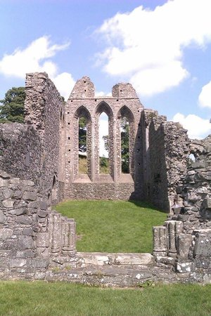 Inch Abbey : Looking down the nave towards the windows at the Choir end