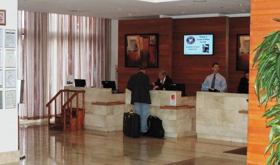 Hilton Dublin Airport Hotel: Reception