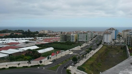 VIP Executive Azores Hotel: Vista dalla terrazza all'ultimo piano