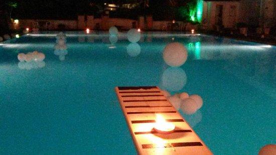Camping Santa Maria di Leuca : white party nella piscina