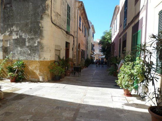 Alcudia Old Town : Aludia Old Town