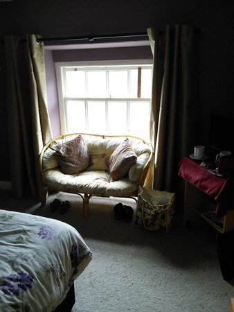 Cambrian Guest House & Tea Rooms : bed room