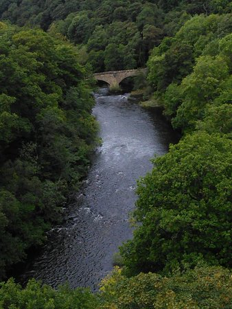Cambrian Guest House & Tea Rooms : river Dee