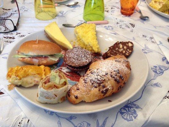 Villa Carlotta : Un esempio di colazione di Carlotta.