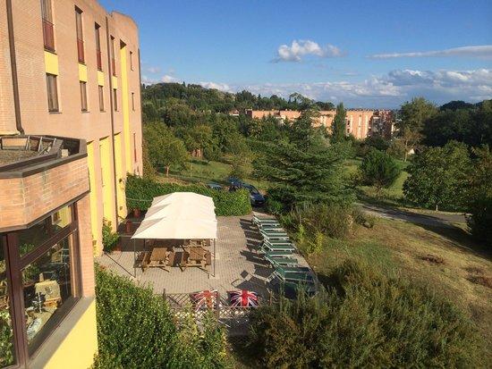 Hotel Palazzo dei Priori: Il solarium, unica nota positiva che sono riuscita a trovare.