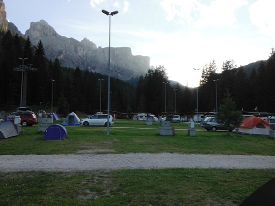 Camping Colfosco: Morning in the campsite