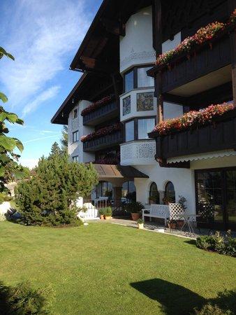 Hotel Laerchenhof Natur : Hotel buiding