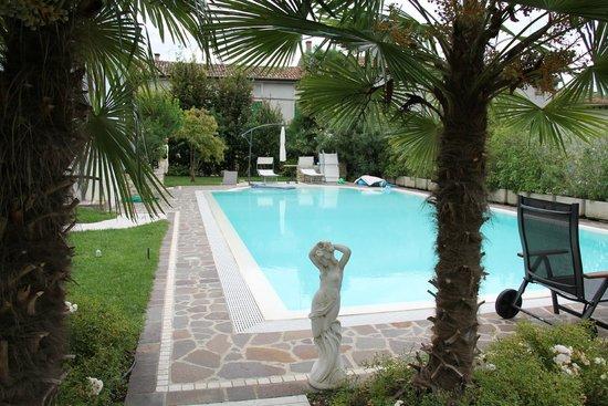 Maison Fortune: La piscina!