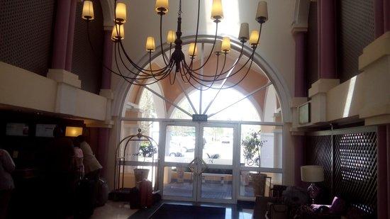 Mercure Johannesburg Randburg: front entrance
