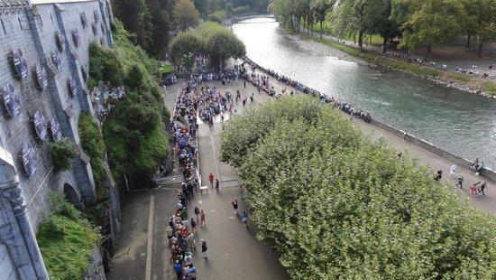 Sanctuaire Notre Dame de Lourdes : Wartka rzeka