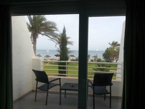 Club Med Djerba la Douce: Vue depuis la chambre Calypso Beach vers la plage