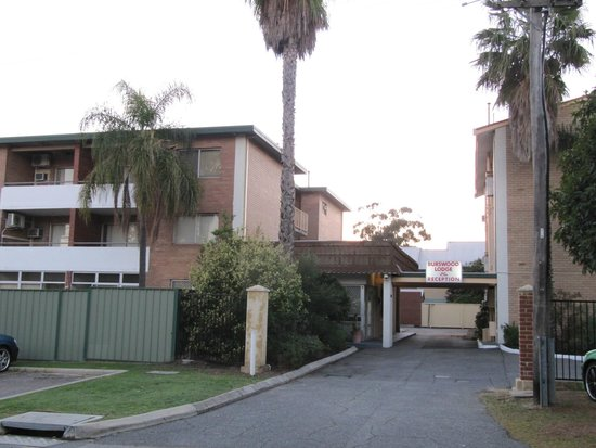 Burswood Lodge Motel Apartments